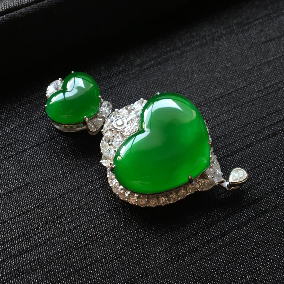 冰种正阳绿镶白金钻石心心相印胸坠