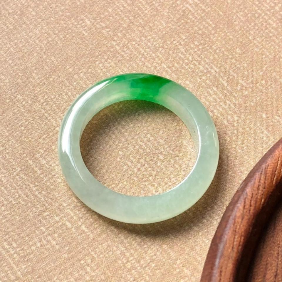 (超值推荐)冰阳绿指环