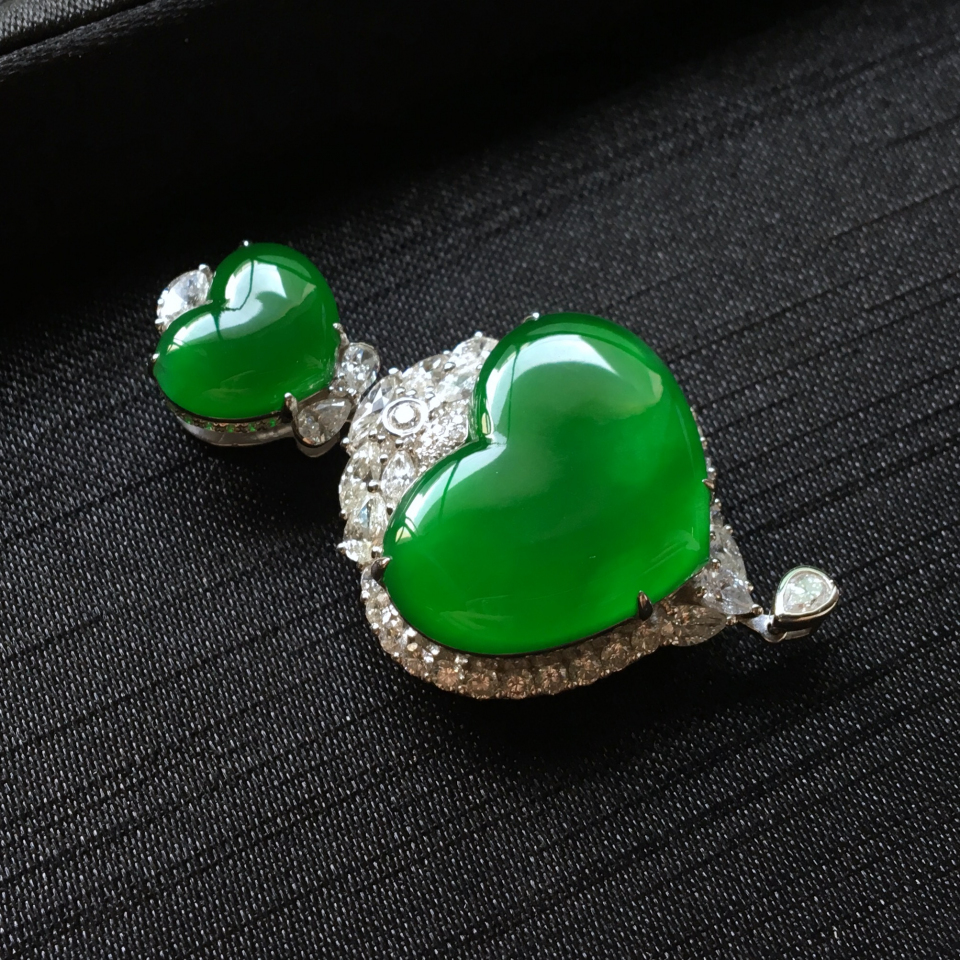 亚博娱乐登陆--任意三数字加yabo.com直达官网正阳绿镶白金钻石心心相印胸坠