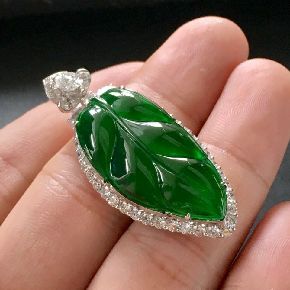 (超值推荐)冰玻种帝王绿镶白金钻石金枝玉叶胸坠