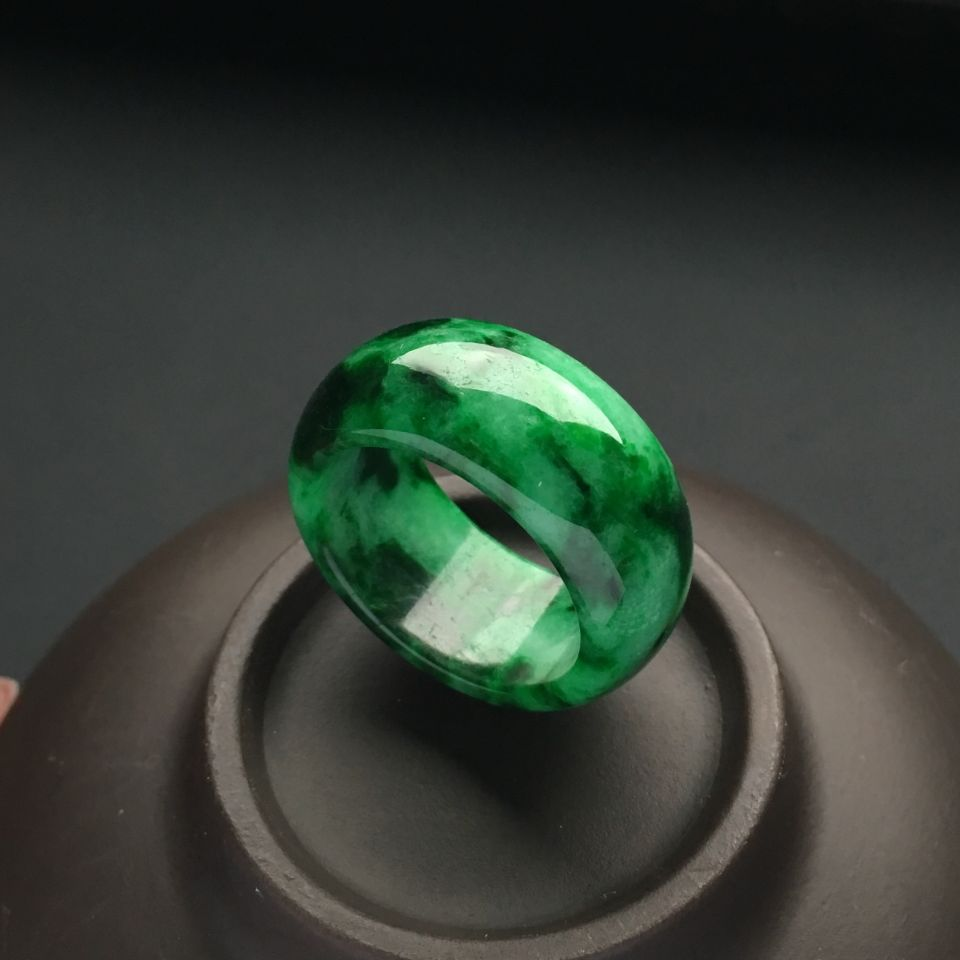 (超值推荐)糯冰种浓绿指环