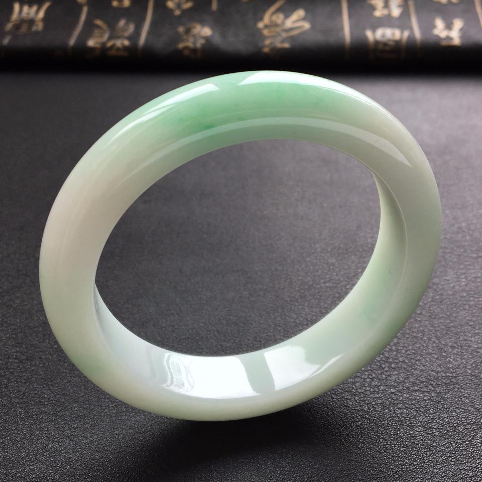 细糯种淡绿手镯(54.8mm)