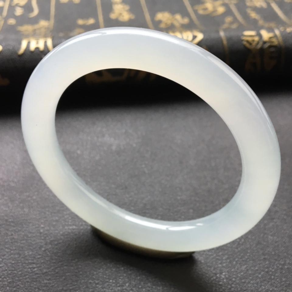 (超值推荐)糯冰种淡晴水圆条手镯52.3mm