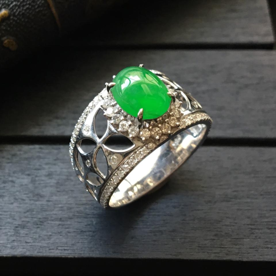(超值推荐)冰种阳绿镶白金钻石戒指14#