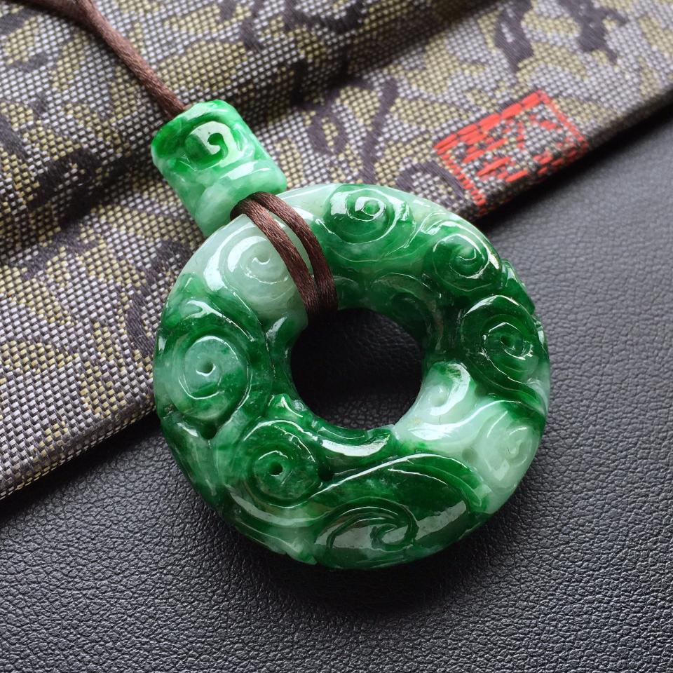 细糯种浓绿仿古平安环挂件