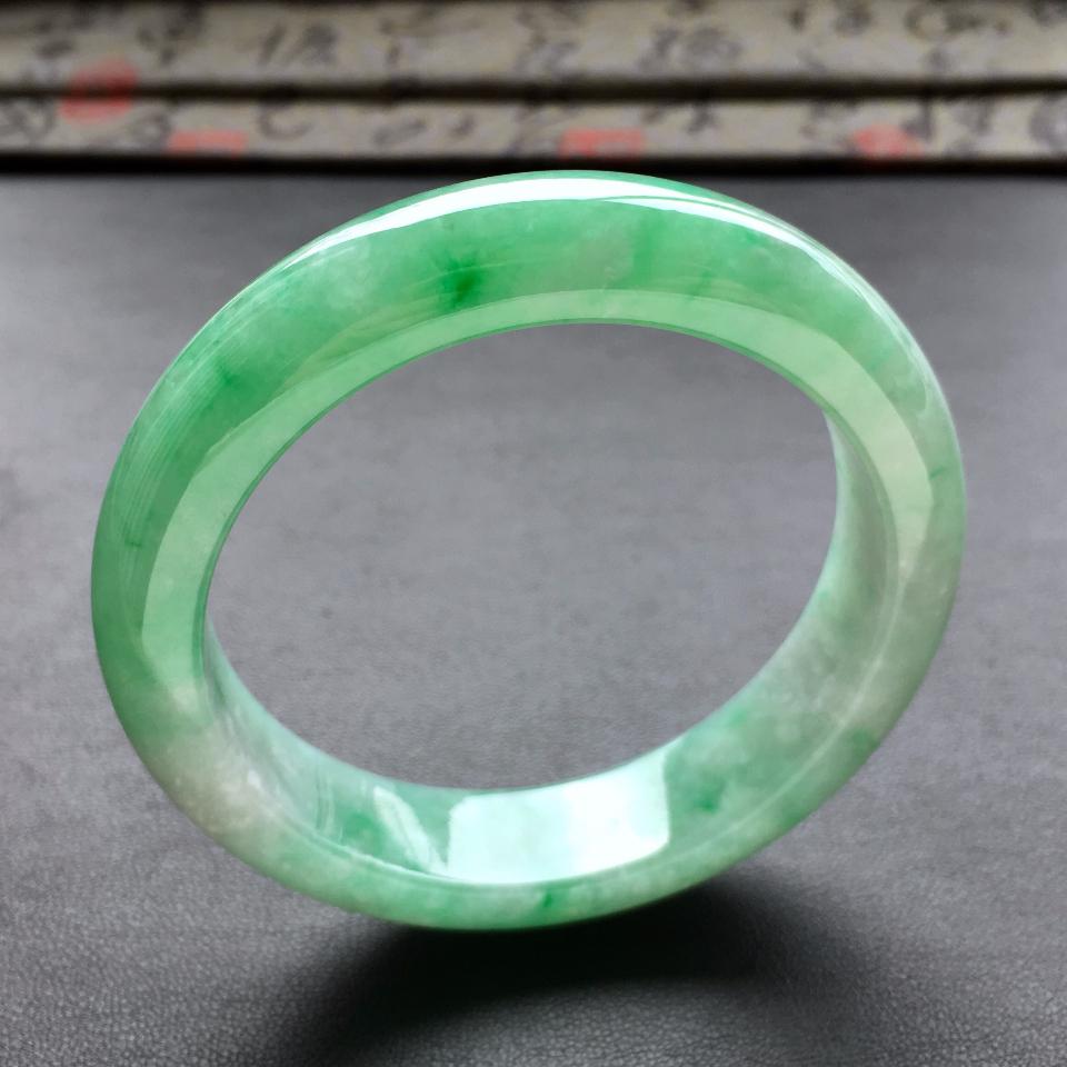 (超值推荐)糯冰种飘翠手镯(56.7mm)