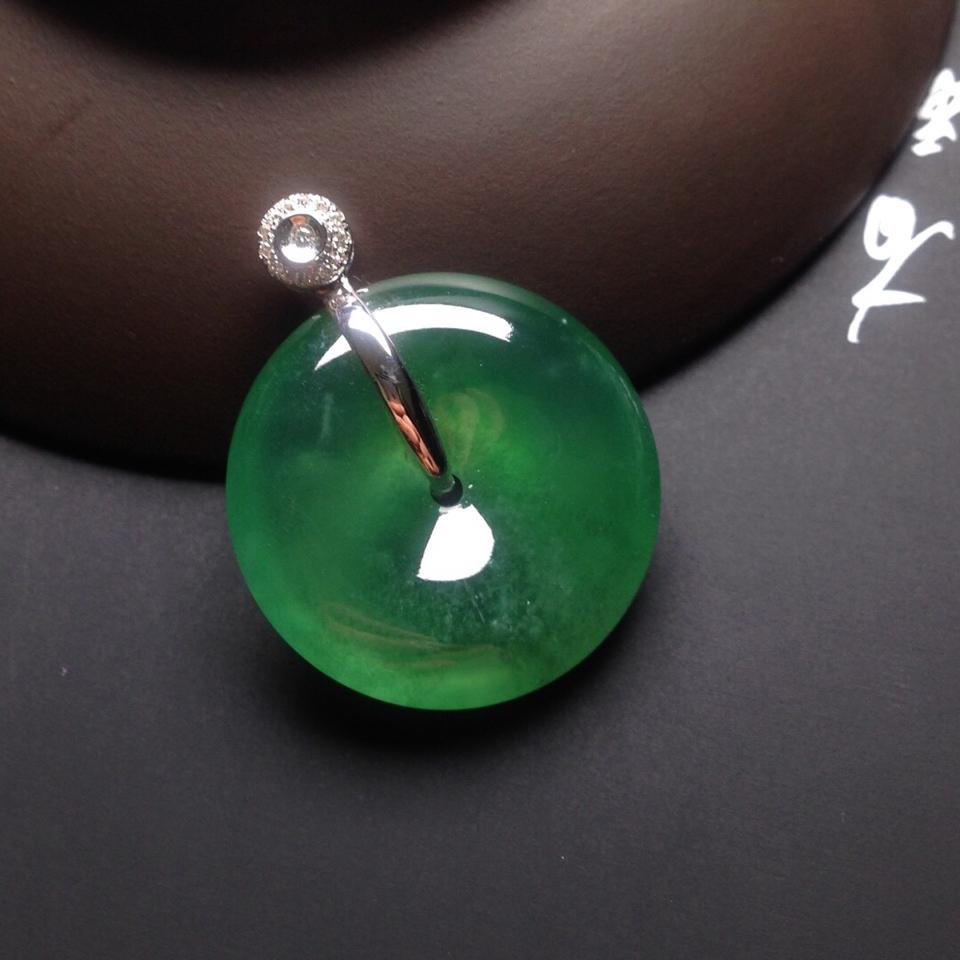 (超值推荐)冰种绿晴水镶白金钻石平安扣胸坠翡翠