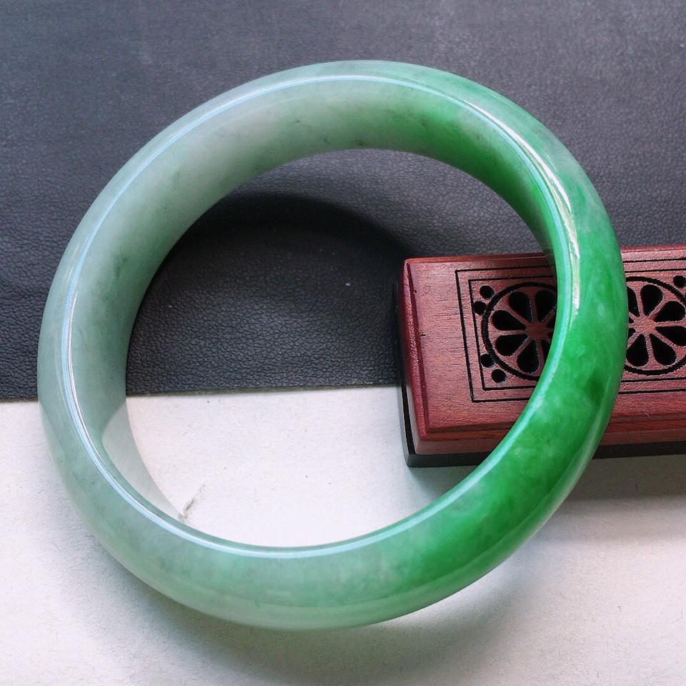 翡翠细糯种飘翠正圈手镯56.6mm