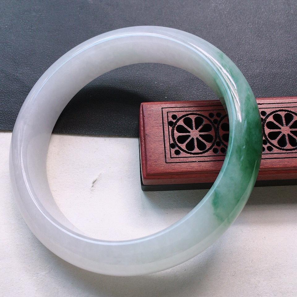 翡翠细糯种飘花正圈手镯57mm
