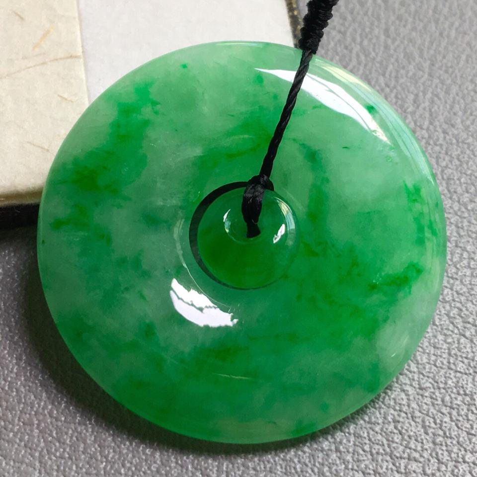 冰种飘绿平安扣挂件翡翠