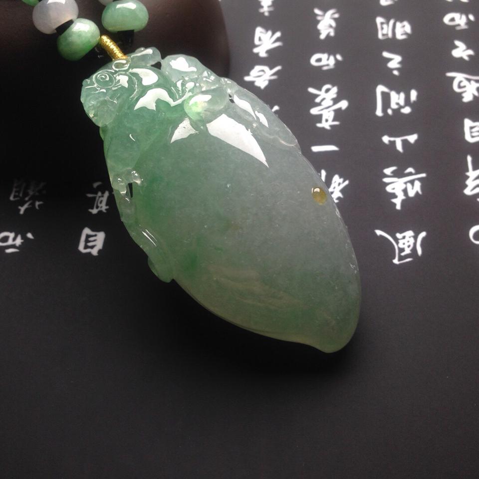 冰種飄綠福瓜掛件翡翠