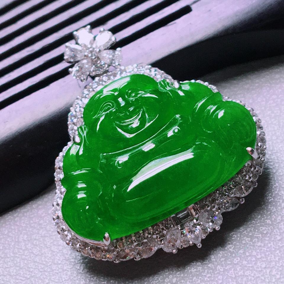 冰种阳绿镶白金钻石玉佛胸坠翡翠