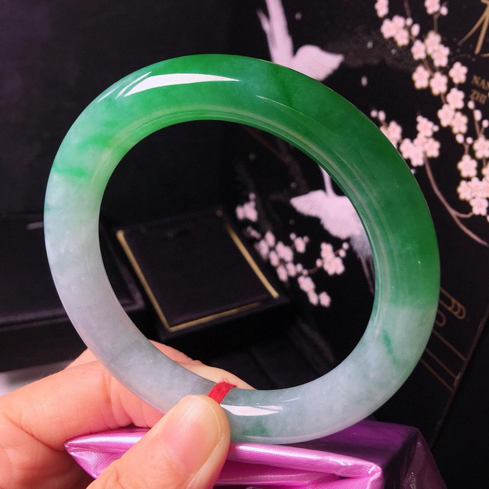 糯冰种翠色圆条手镯(60.5mm)翡翠