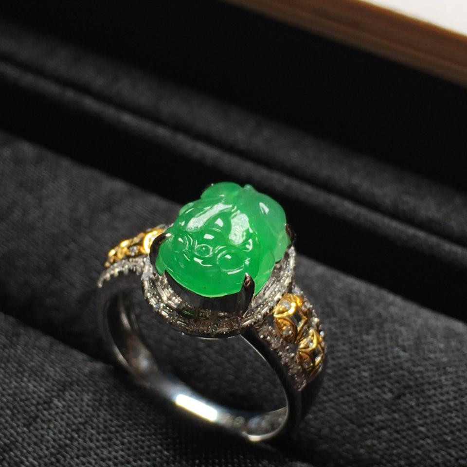 (超值推荐)冰种阳绿18K金钻石镶嵌貔貅戒指