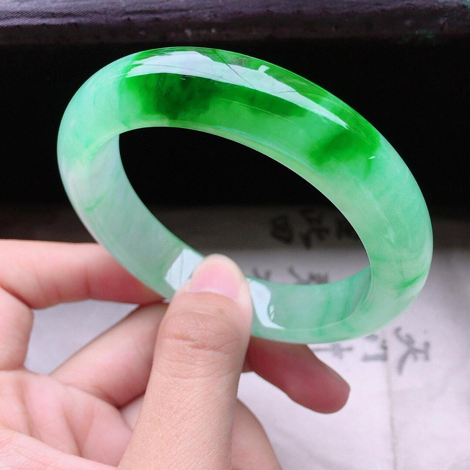 收藏級翡翠糯冰種帶綠正圈手鐲53mm