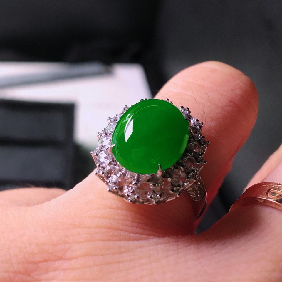 冰种阳绿镶白金钻石戒指 翡翠
