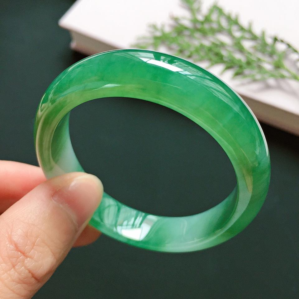 贵妃52.2mm,细糯阳绿手镯