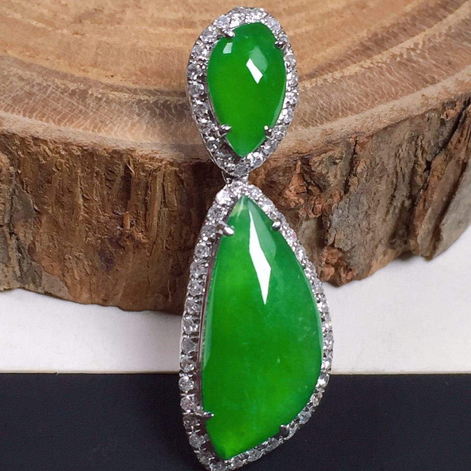 冰种满绿翡翠吊坠