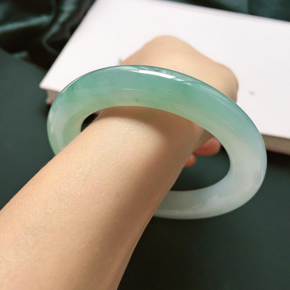 圆条57.5mm,冰糯种晴绿手镯