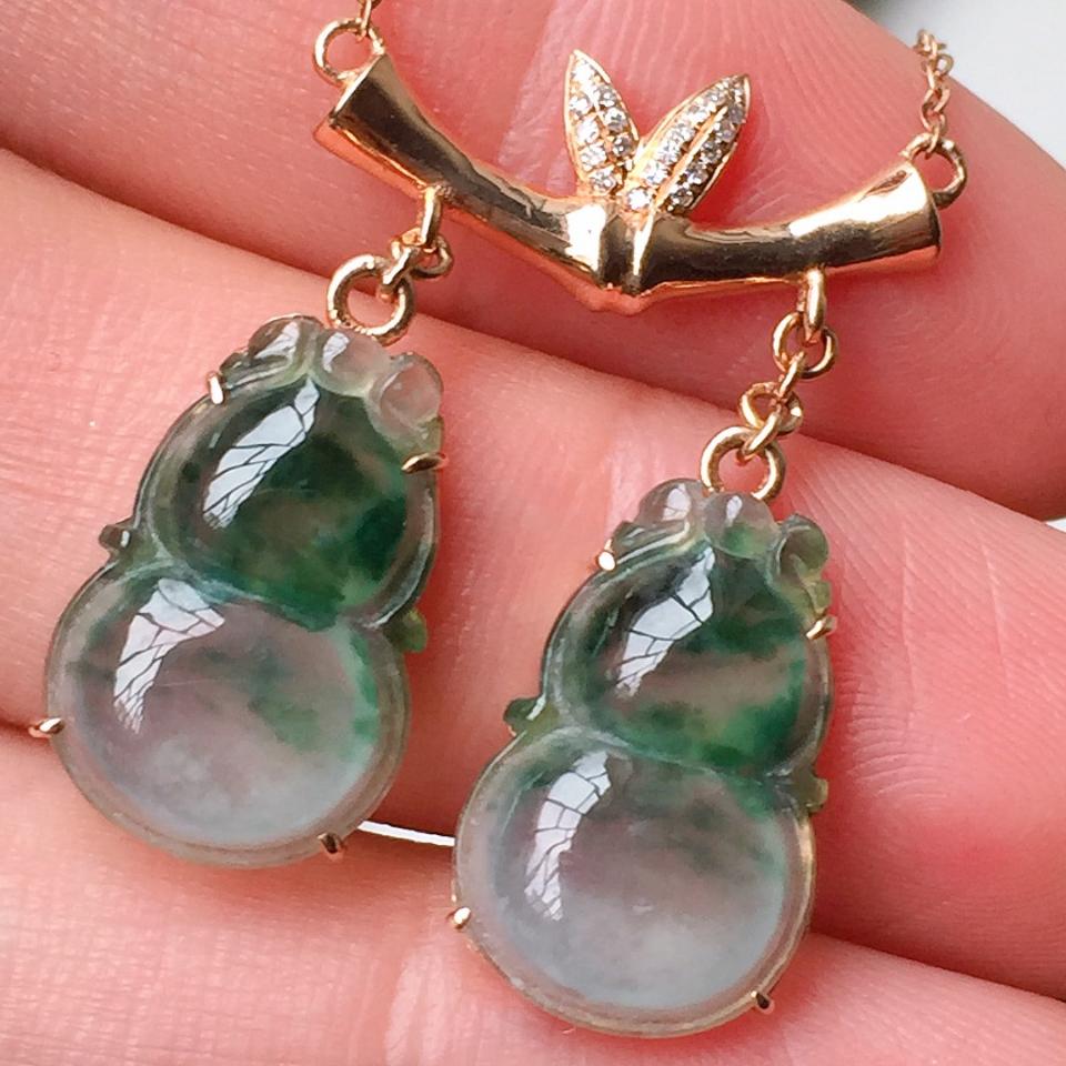 冰种飘花双葫芦造型翡翠项链