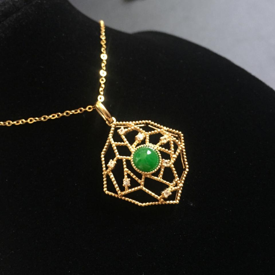 (超值推荐)镶18k金钻石糯冰种阳绿翡翠项链