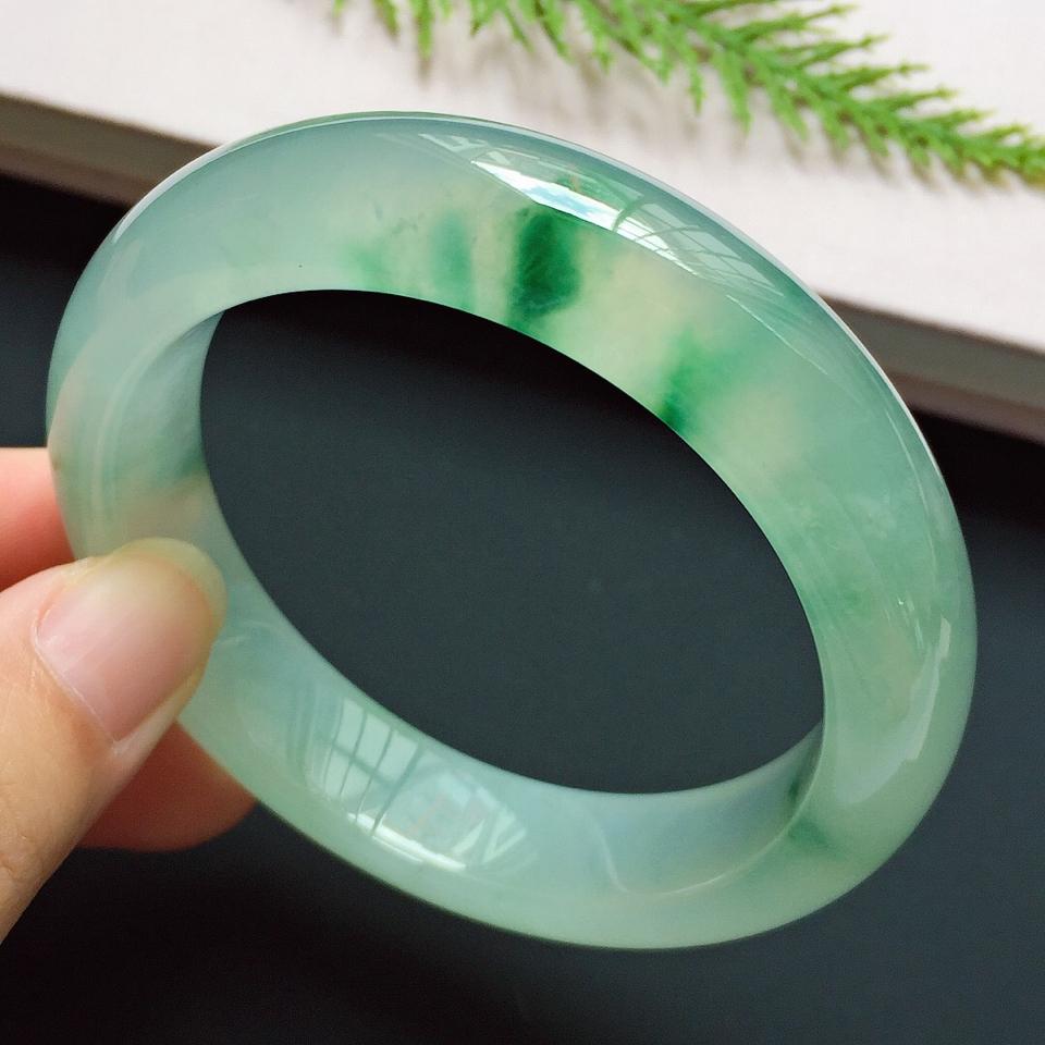 正圈55.5mm,冰種飄綠手鐲
