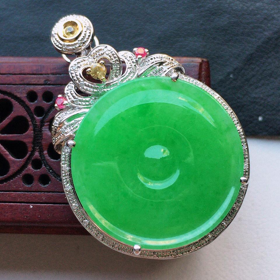 緬甸翡翠18K金伴鉆鑲嵌細糯種滿綠平安扣吊墜
