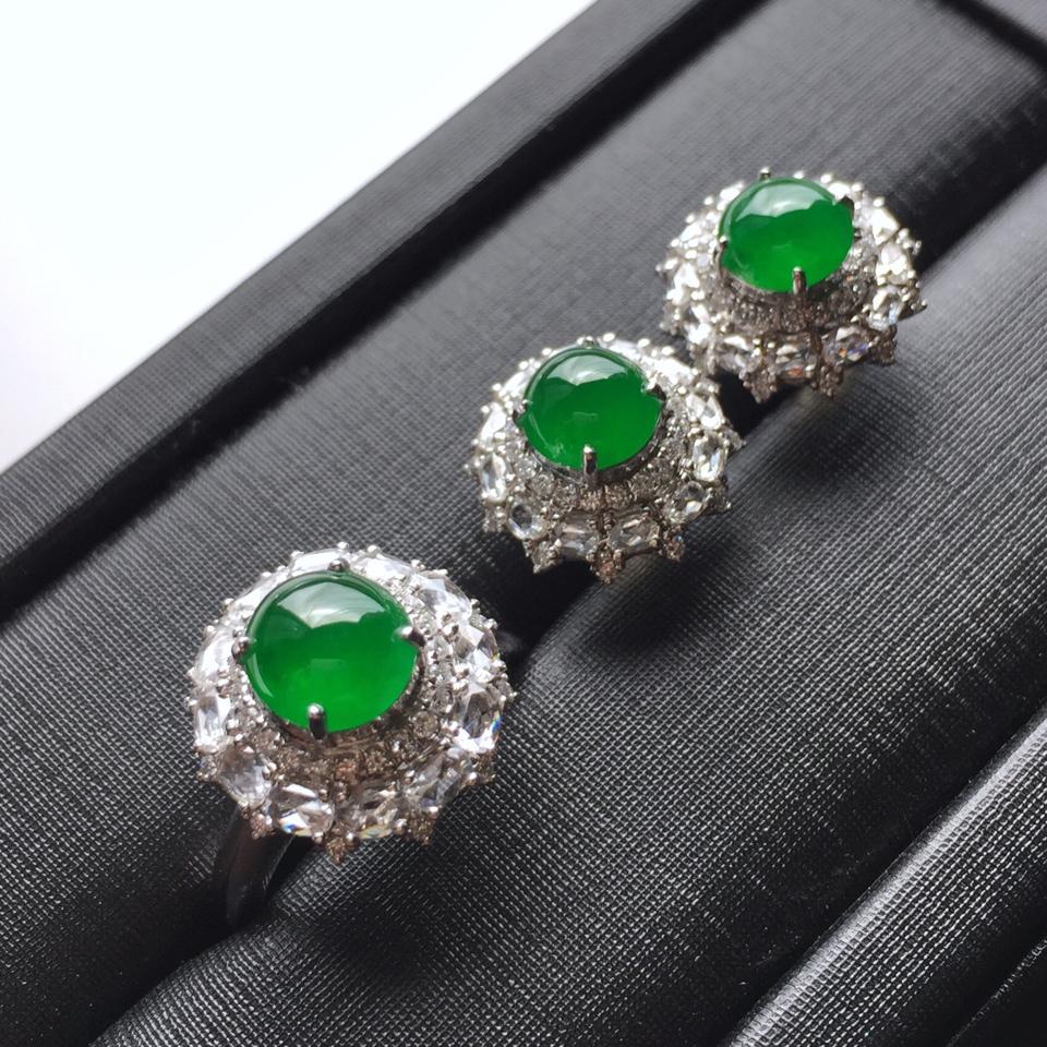 (超值推荐)镶白金钻石冰种阳绿翡翠套装