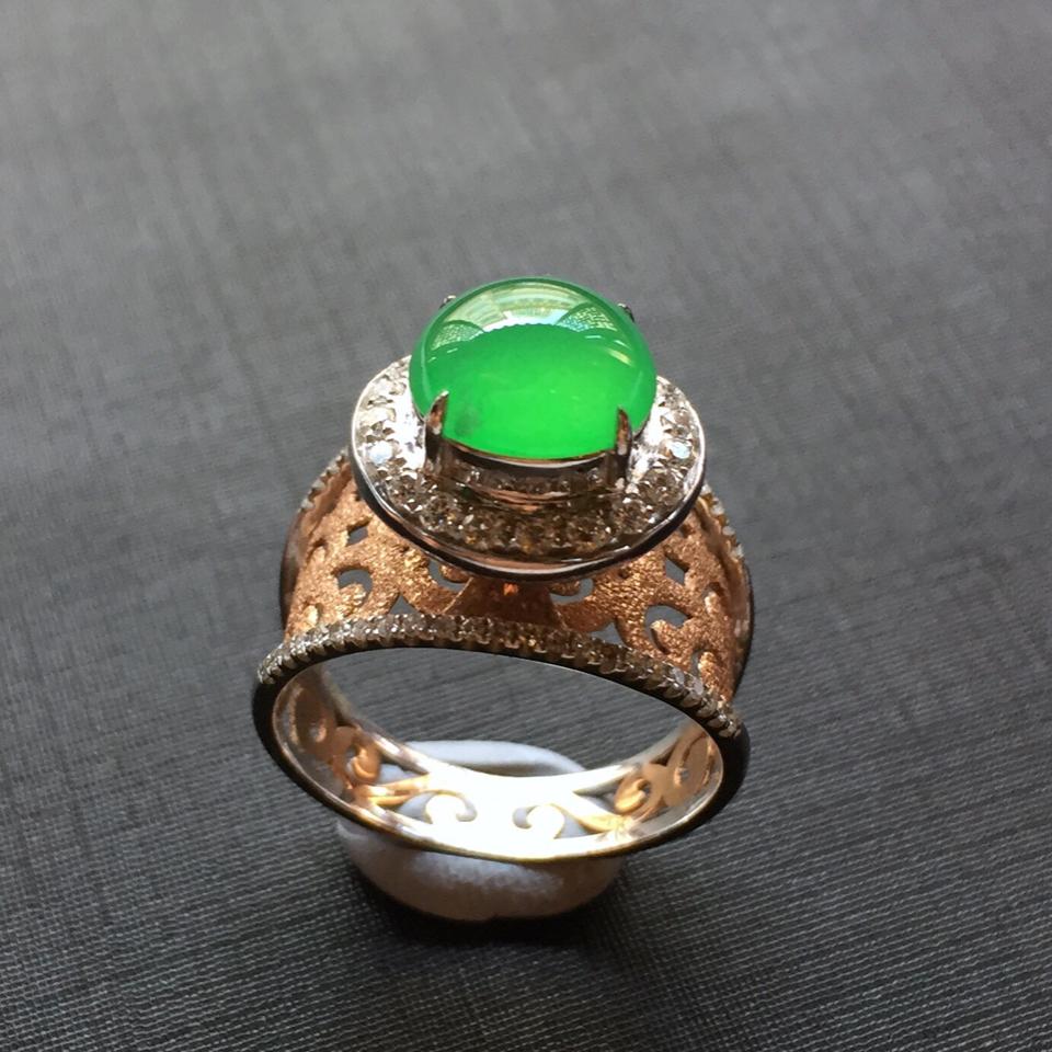 (超值推荐)镶18k金伴钻冰种翠绿翡翠戒指