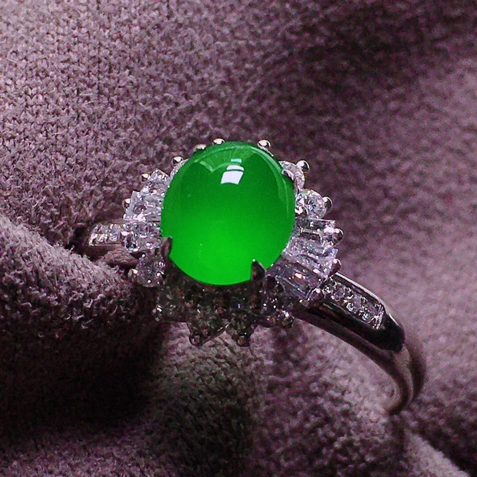 (超值推荐)冰玻种翠色镶白金钻石戒指翡翠