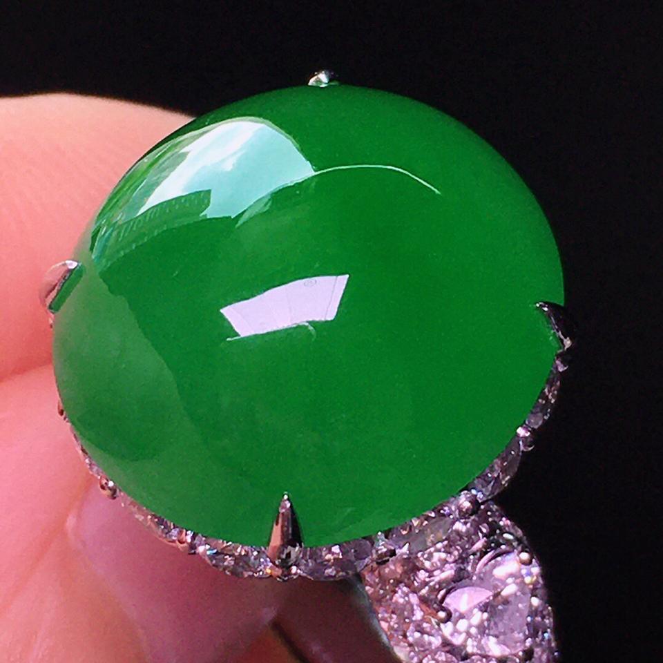 冰种浓绿镶18K白金钻石戒指翡翠
