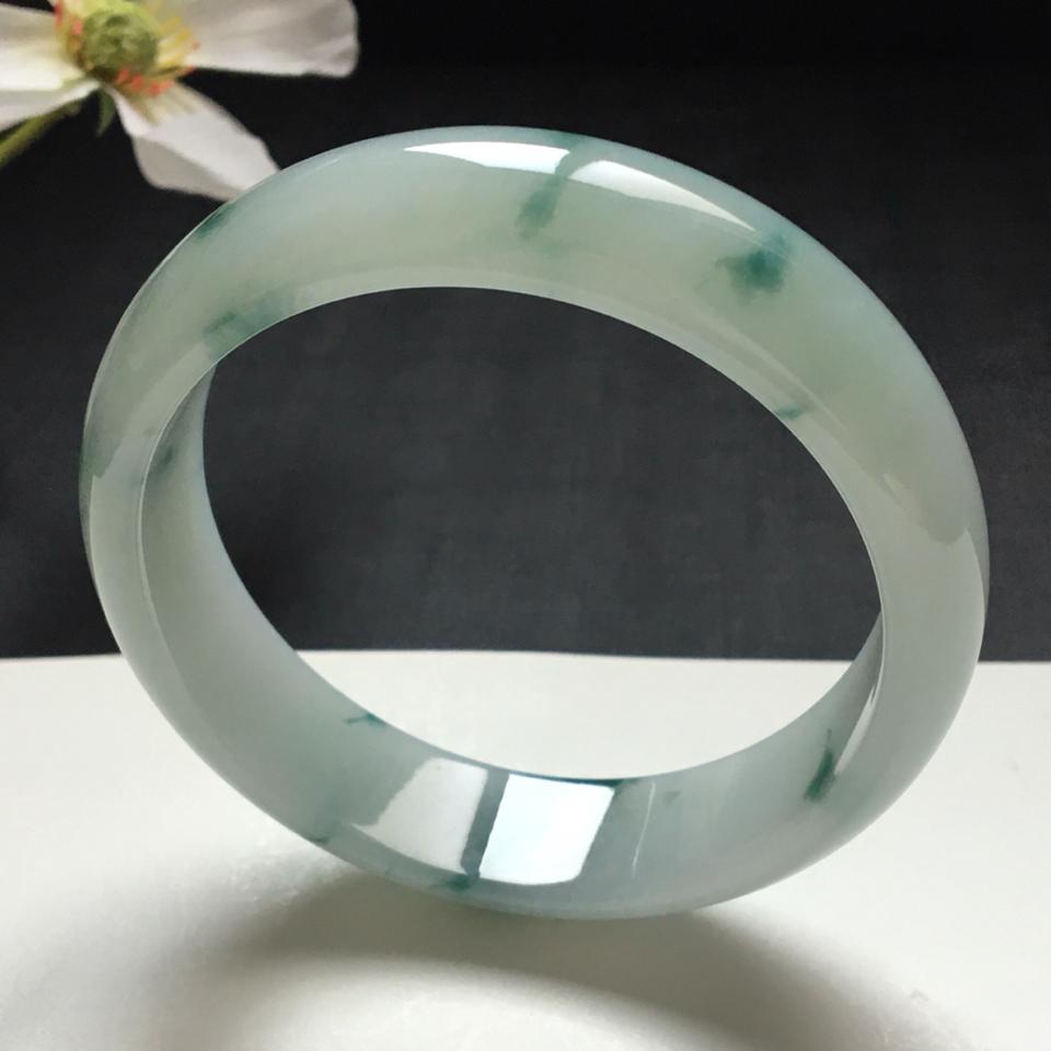 糯冰种飘蓝花翡翠宽边手镯(61.2mm)