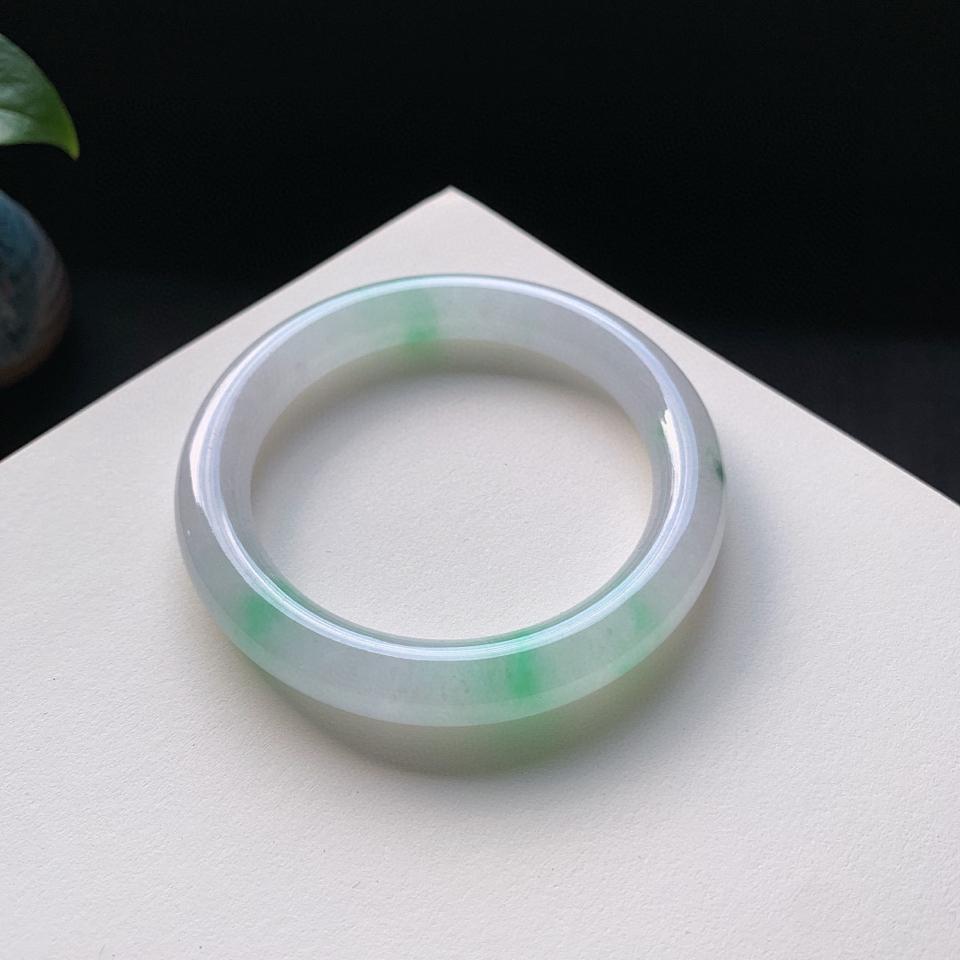 冰糯种飘绿圆条手镯59mm