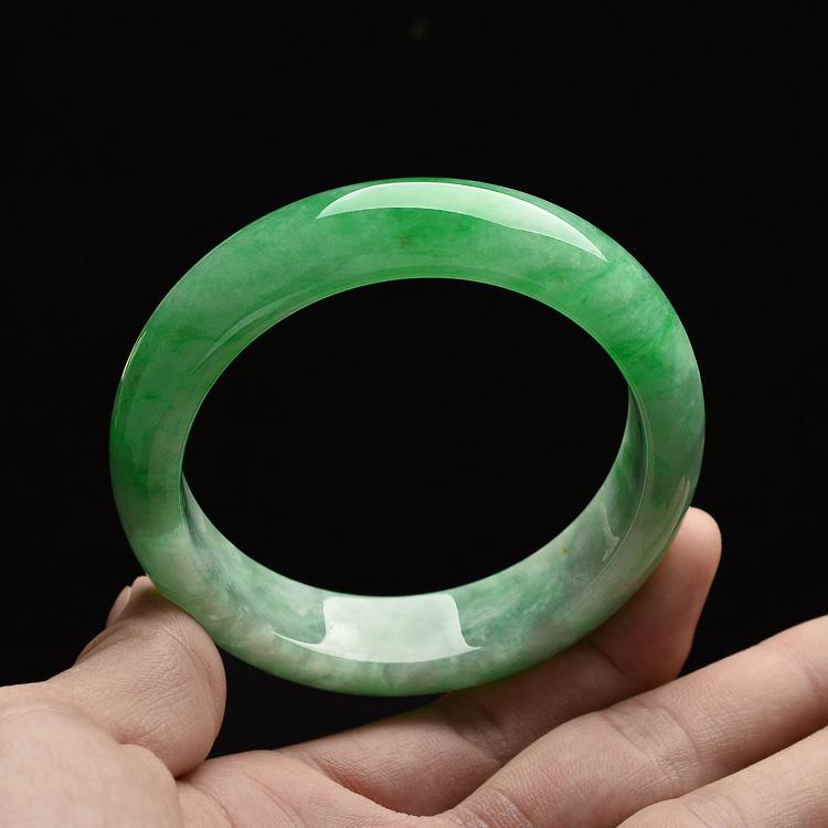 糯冰种阳绿手镯(57.4mm)