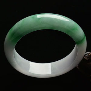 (超值推荐)糯冰种飘翠手镯(59.4mm)