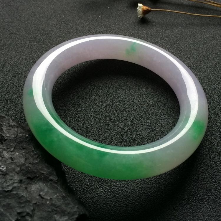 (超值推荐)糯冰种春带彩圆条手镯(57.6mm)