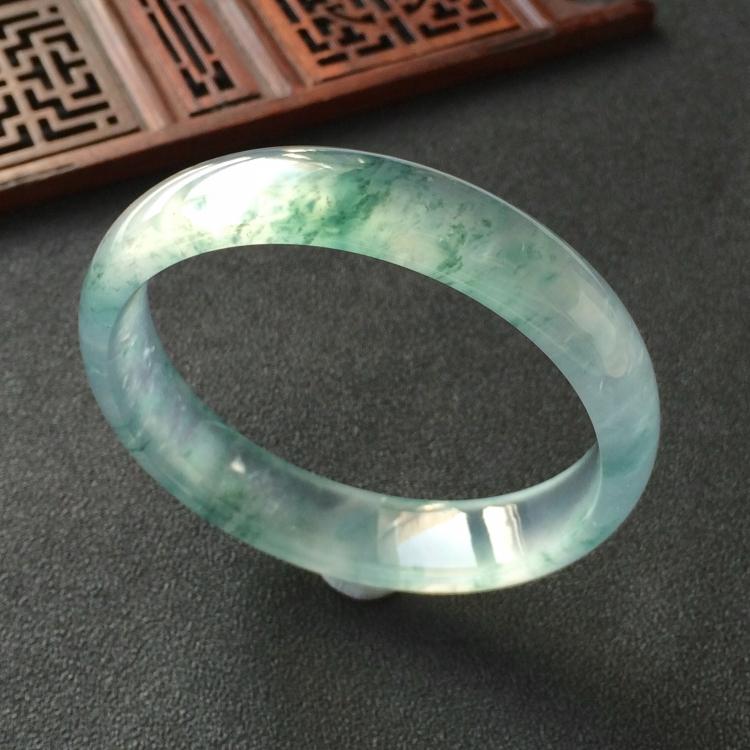 (超值推荐)冰玻种飘花手镯(58.1mm)