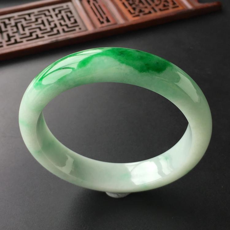 (超值推荐)糯冰种飘翠手镯(58.5mm)