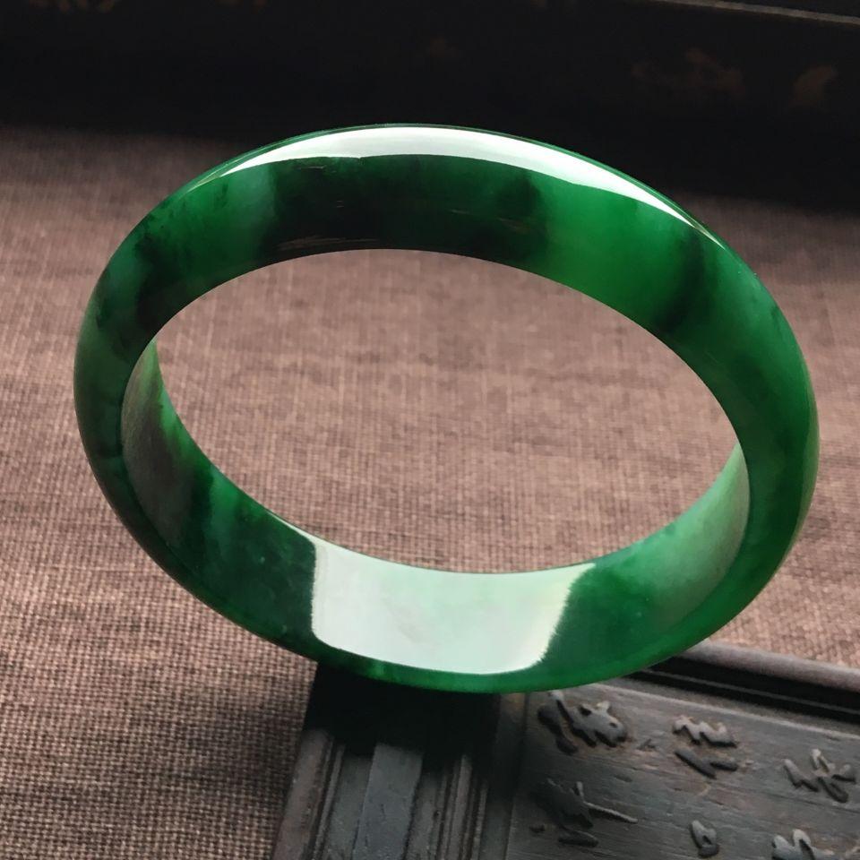 (超值推荐)糯冰种浓绿手镯(58mm)