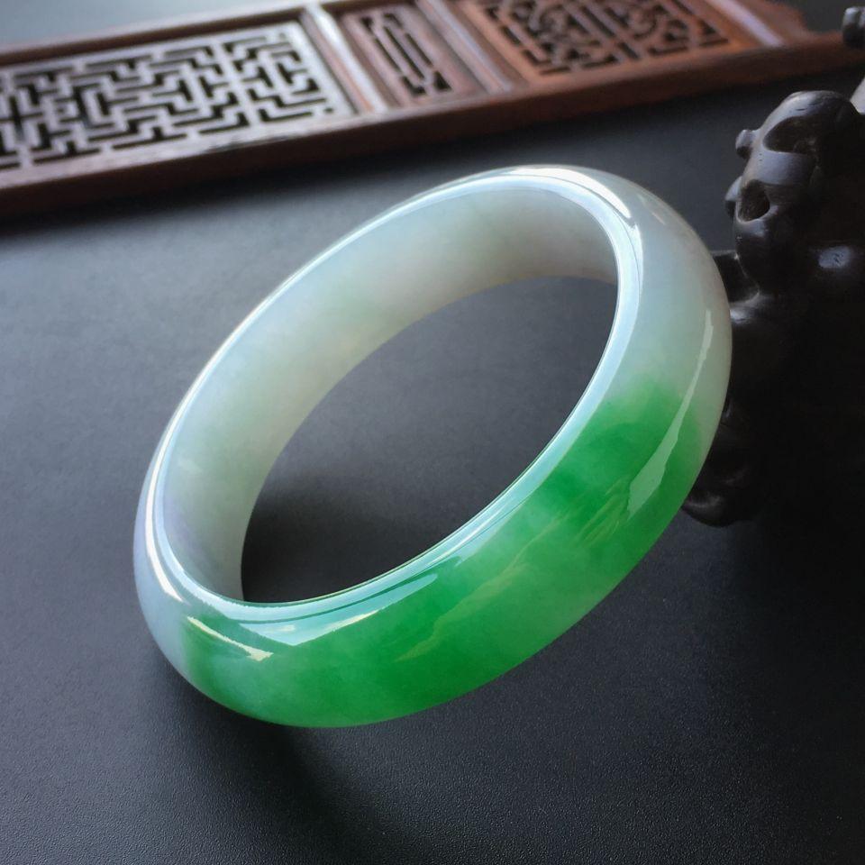 (超值推荐)糯冰种飘阳绿手镯(54.7mm)
