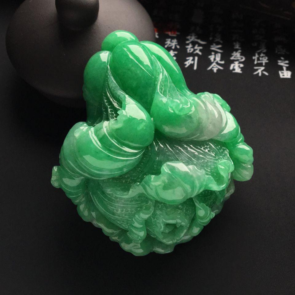 (超值推荐)糯冰种豆绿白菜手玩件