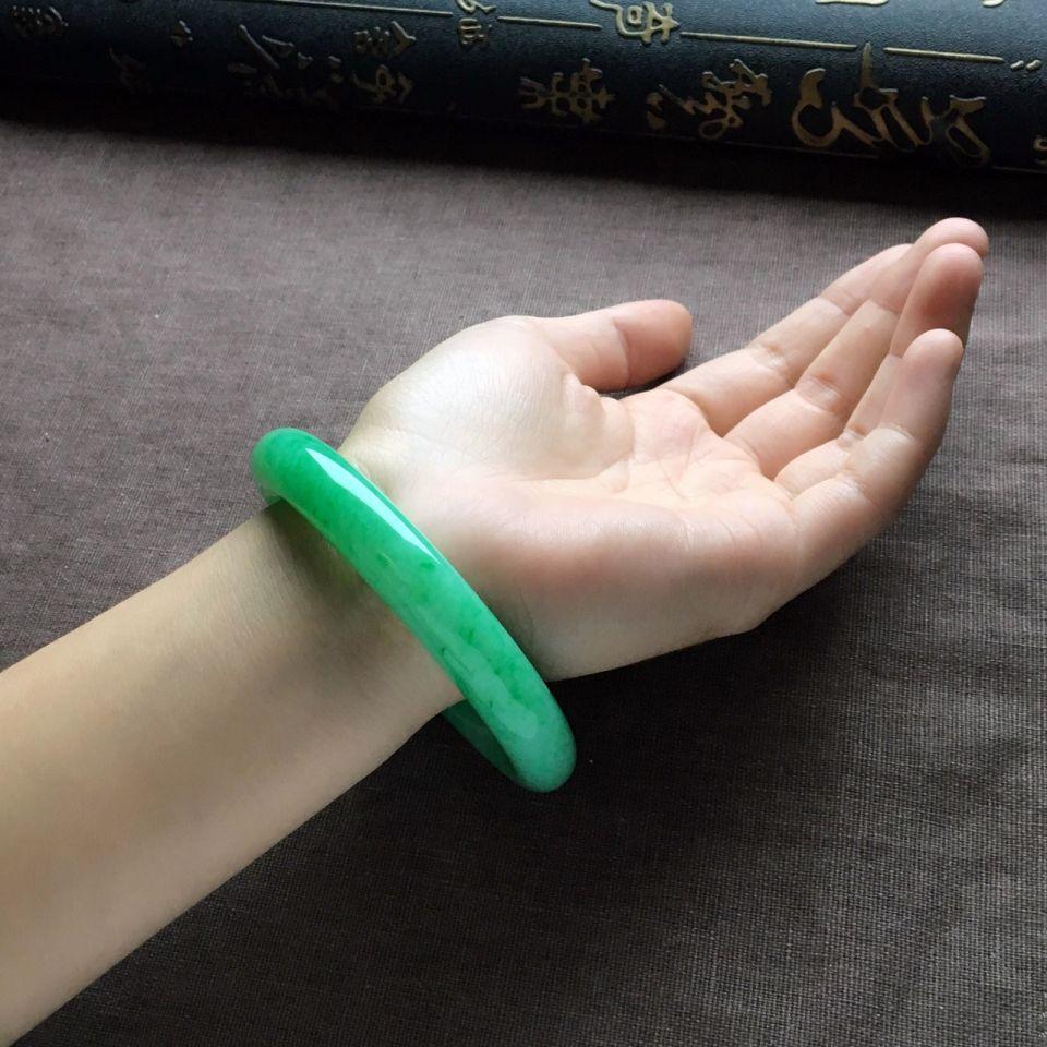 糯冰种翠色圆条手镯(57mm)