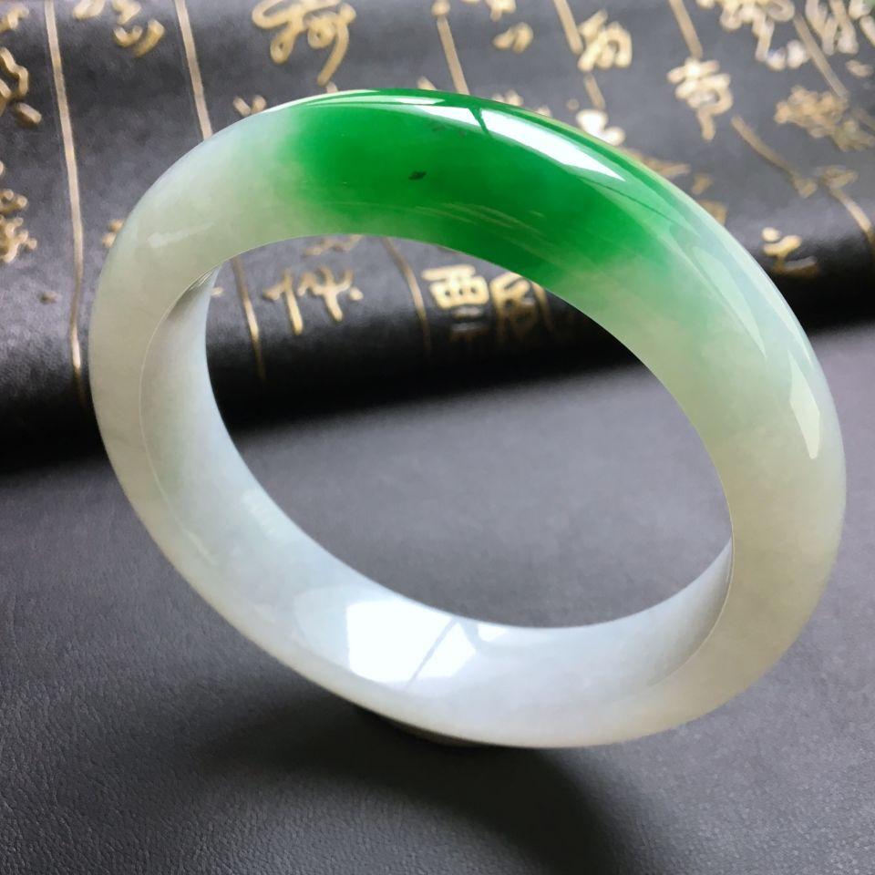 糯冰种飘阳绿手镯(58.6mm)