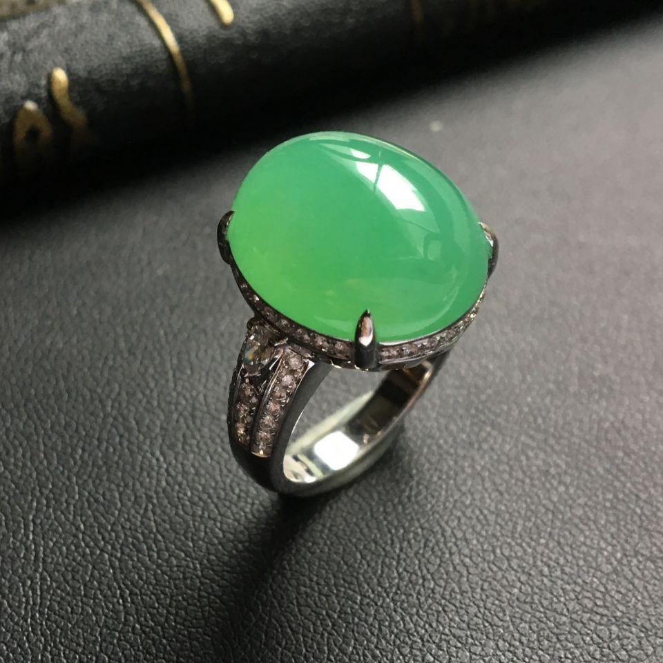 糯冰种绿晴水镶白金钻石戒指
