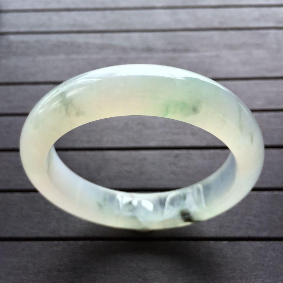 冰种略飘花手镯(55.6mm)