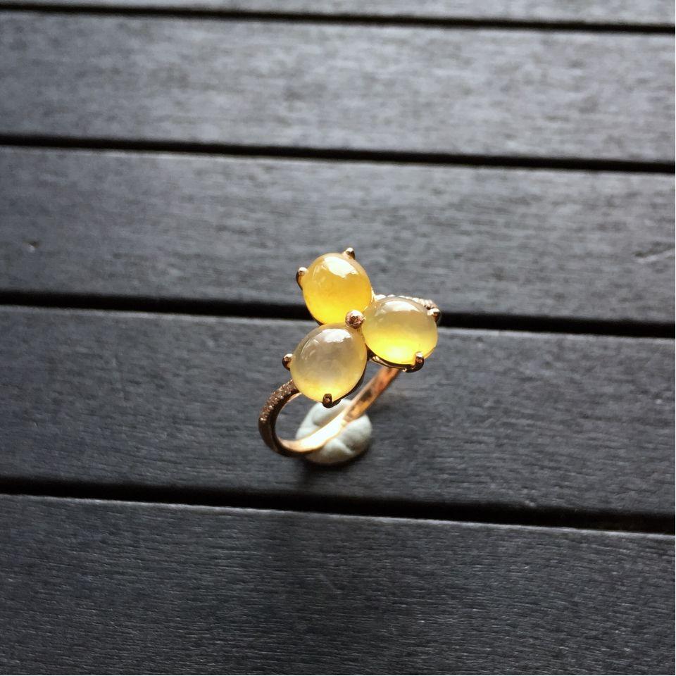 镶玫瑰金钻石冰种黄翡戒指