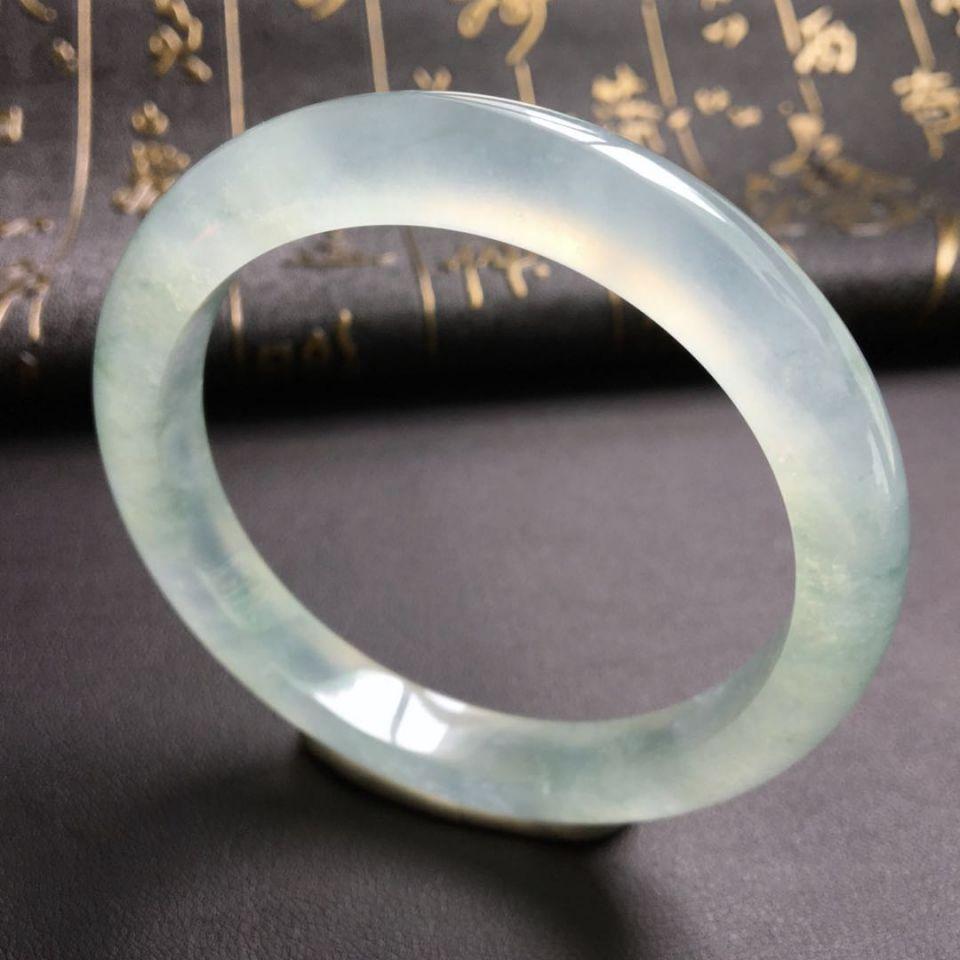冰种略飘花手镯(55.2mm)