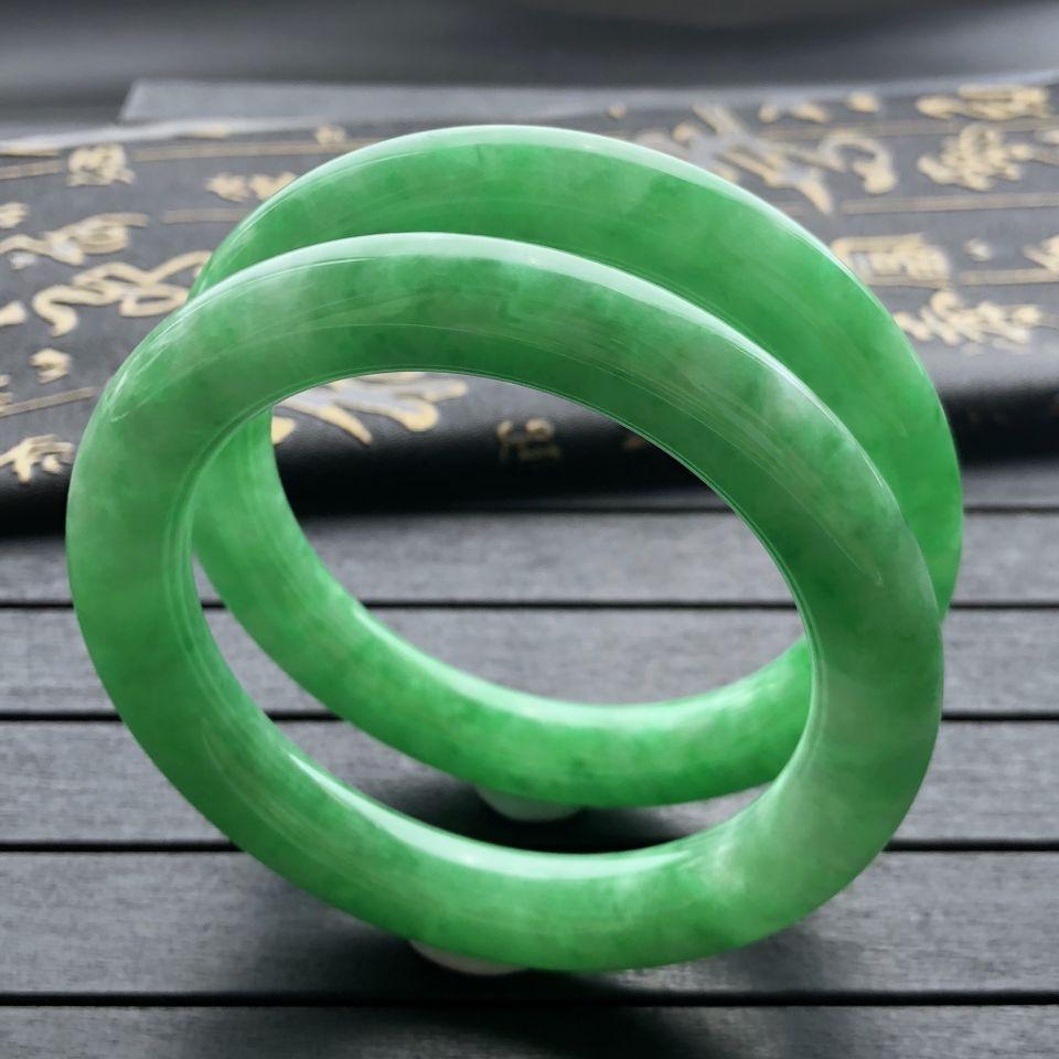 糯冰种翠色圆条手镯(一对)(57.8mm、58.3mm)