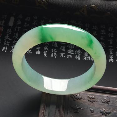 糯冰种飘翠手镯(55mm)